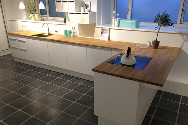 Montering af nyt køkken - Tømrermester Anders Møll
